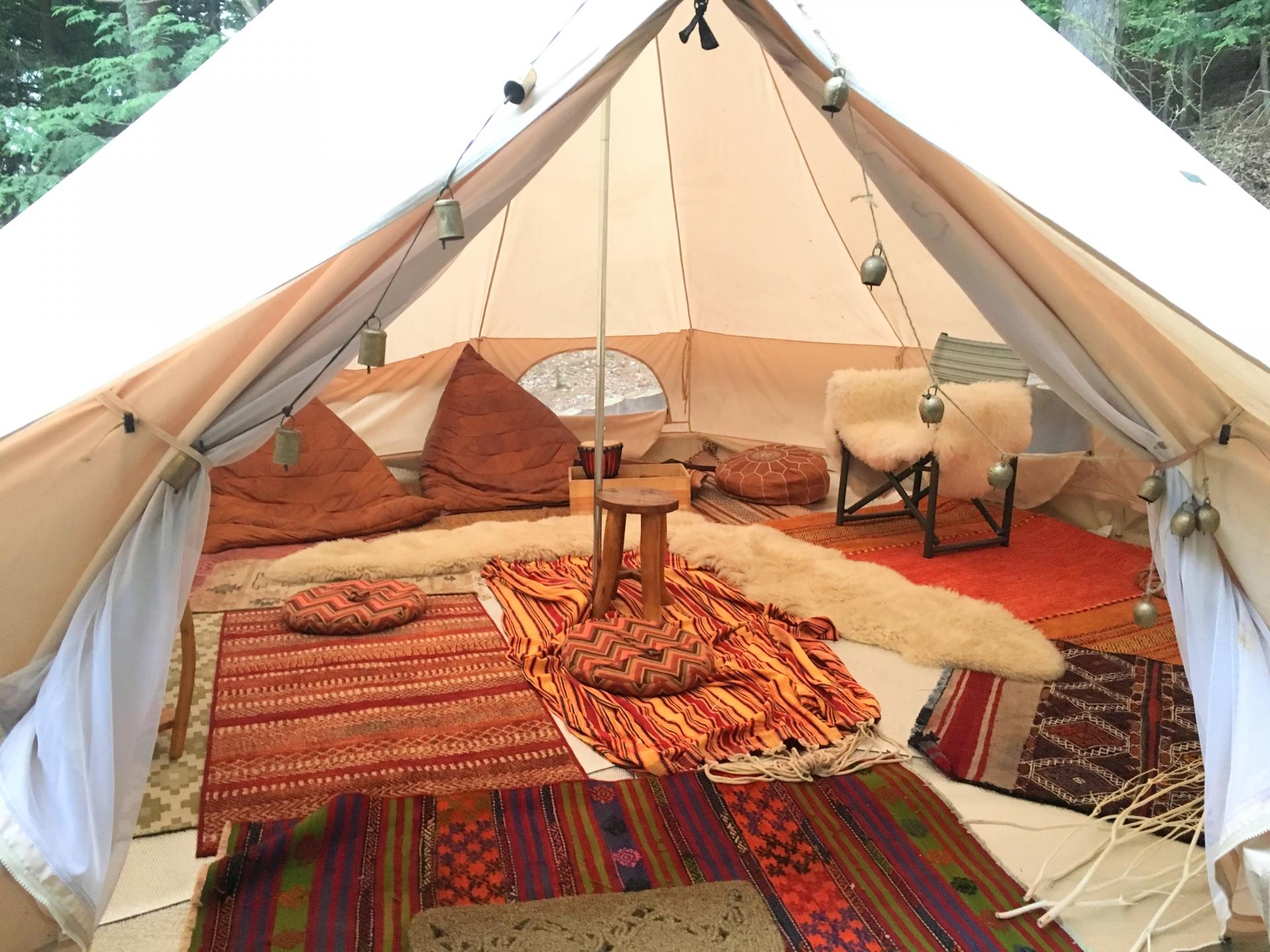 初心者のためのキャンプ場の選び方とサイトの種類や用語の解説です。